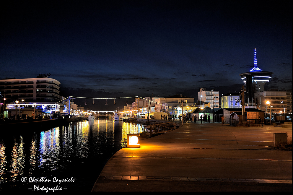 Palavas by night